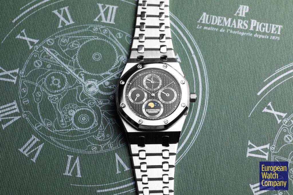 Audemars-Piguet-Royal-Oak-Perpetual-Calendar-25820SP.OO_.0944ST